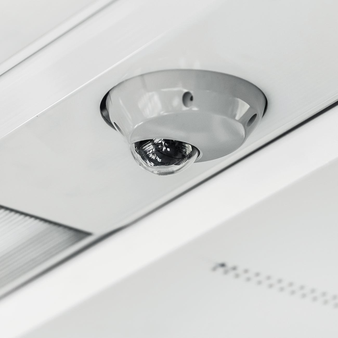 ON-BOARD VIDEO SECURITY​ SYSTEM EN US